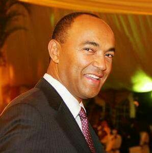 Hon Peter Kenneth