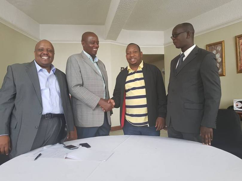 Governor Mbuvi meeting with the representatives of Kenya County Government Workers' Union , Nairobi staff branch Mr. Boniface Waweru ( Secretary) and Mr. Kennedy Malimo( Vice chair).